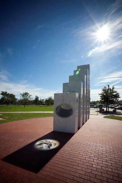 Chaque 11 novembre à 11h11, les rayons du soleil traversent ce mémorial pour un résultat étonnant. | Nos Racines | Scoop.it