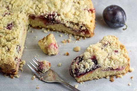 Quick Plum Streusel Cake (Pflaumenkuchen) | Angelika's German Magazine | Scoop.it