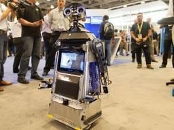 DIY Robot Roams High-Tech Event | Intel Free Press | Scoop.it