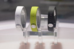 Sony SmartBand pictures and eyes-on: Sony Lifelog and wearable tech on display at CES 2014 | Trends FM: Outfiguring the Future - Trends that protend forth | Scoop.it