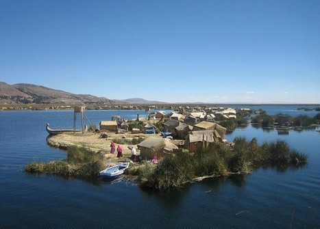 The Floating Man-Made Islands of Lake Titicaca | Strange days indeed... | Scoop.it