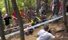 Rachel Atherton CRASH – Mont Sainte Anne 2013 | Women & Sports | Scoop.it