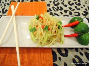 Easy Thai Cooking Part V: Som Tam – Thai Spicy Green Papaya Salad with Toasted Peanuts | Food from around the world | Scoop.it