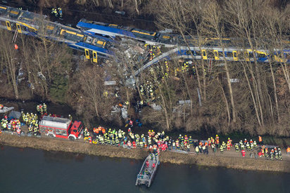 Train crash in Bad Aibling leaves 9 dead and at least 100 injured | Angelika's German Magazine | Scoop.it