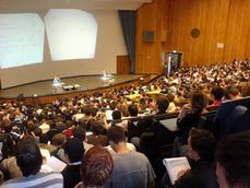 Le cours magistral enrichi, pour un enseignement traditionnel plus interactif | Environnements physiques d'apprentissage | Scoop.it