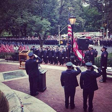 "FDNY on Twitter: ""#FDNY members honor the 343 lost on 9/11 during a remembrance ceremony at the FFs Monument. http://t.co/kDH0xsA9wL"" 
