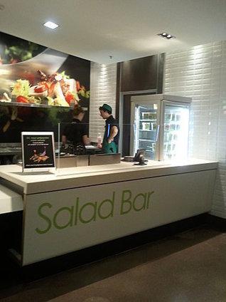 Mc Donald's ouvre ses premiers salad bars | Retail Design Review | Scoop.it