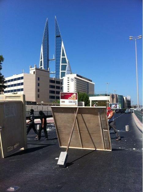 Bahrain: photo of main road in Manama closed by protesters today | Human Rights and the Will to be free | Scoop.it