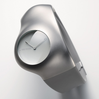 hu-by-ross-lovegrove-for-issey-miyake-2.jpg (450x450 pixels) | Product Design | Scoop.it