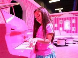 Barbie's Dreamhouse now life-size reality in Florida | Strange days indeed... | Scoop.it