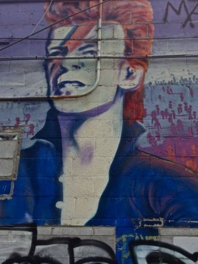 Pavement Bowie: 20 Street Art Tributes to David Bowie | World of Street & Outdoor Arts | Scoop.it