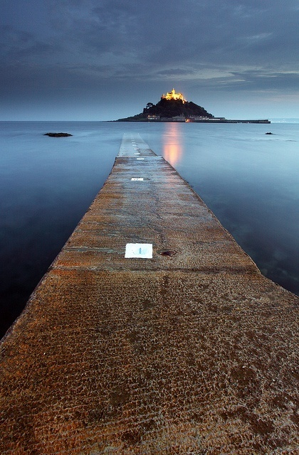 After Dark at St Michael's Mount, Cornwall, England | Reflejos | Scoop.it