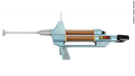 Zap! 'Star Trek' Phaser rifle once toted by Capt. Kirk auctioned for $231,000   Chinese Rocket parts Collection.........FOR SALE   Scoop.it