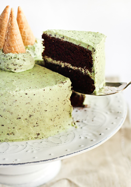 Mint Chocolate Chip Cake - #RECIPE | desserts | Scoop.it