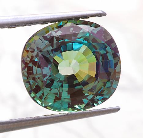 Fine cutting, superior brilliance, and excellent...   Gemstones Trends   Scoop.it