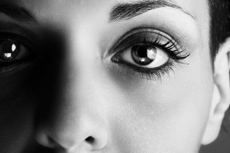 Staring Into Someone's Eyes For 10 Minutes Can Alter Your Consciousness | Psychology, Sociology & Neuroscience | Scoop.it