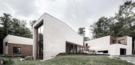 mariage de la brique et du bois pour une maison. Black Bedroom Furniture Sets. Home Design Ideas