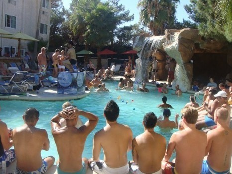 Gay Clothing Optional Hotel 17