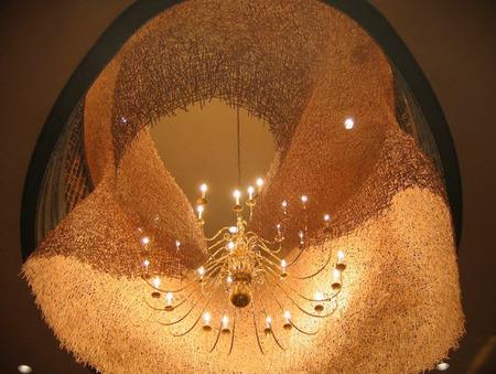 Una araña diseñada con 60.000 revolvedores de café - Casas de iluminación líderes y articulos de decoración   Iluminación interiores   Scoop.it