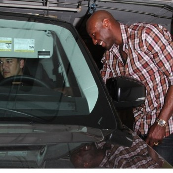 Lamar Odom Spotted in LA, Khloe Kardashian in Touch With Him - Movie Balla | News Daily About Sexy Balla | Scoop.it