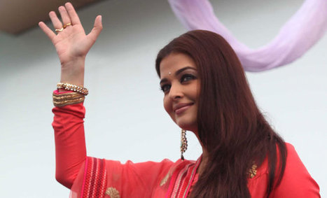 Aishwarya Rai Bachchan Disappointed As She Was Mobbed By Fans | nthwall | Scoop.it