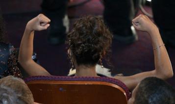 Quvenzhané Wallis Fist Pump And More Oscars 2013 GIFS | Cinema | Scoop.it