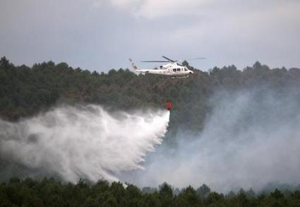 Firefighters battle wild blazes in Spain | Sustain Our Earth | Scoop.it