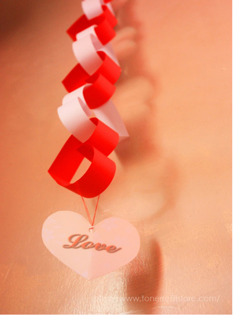Hanging Hearts - Last Minute Valentine's Day Décor in 6 Steps - Fun with Printer Crafts | Interesting Things | Scoop.it