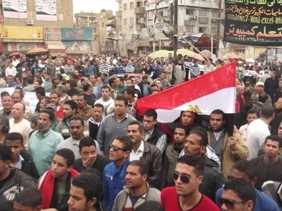 Egypt deploys troops in Suez after 9 killed on anniversary of uprising | Égypt-actus | Scoop.it