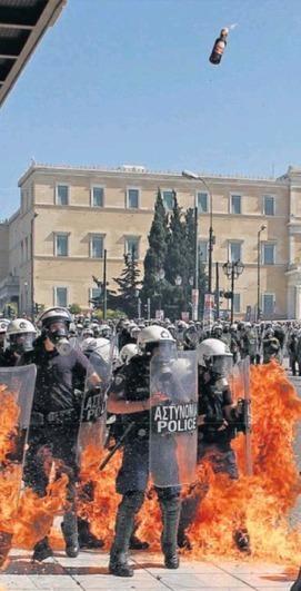 Arrêt sur images - Grèce en flammes : partout à la Une, sauf en France | Debout | Scoop.it