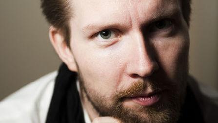 """Pekka Himanen: """"Los chicos son todos originalmente hackers""""   Profesión Palabra: oratoria, guión, producción...   Scoop.it"""