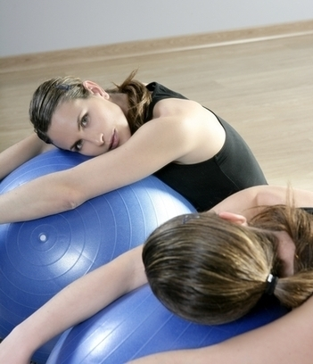 Stability Ball Exercises: benefits and routines | BallExerciseWorkouts.com | Exercise Ball Workouts | Scoop.it