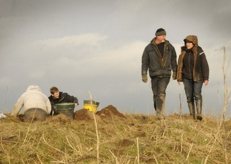 Digging deep to meet stone age ancestors | Whitby Gazette | microburin mesolithic archaeology | Scoop.it