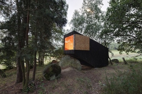 Small Retreat House in the Forest Designed to Rest on a Giant Boulder | Le It e Amo ✪ | Scoop.it