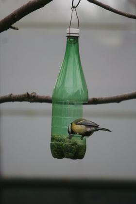 [Coup de ♥] Mangeoire pour oiseaux par Aventure sur le #CDB | Best of coin des bricoleurs | Scoop.it