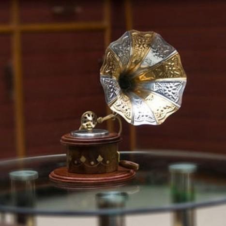 Handicraft Wooden Brass Inlay Round Gramophone Decorative Music Player | Cac57 | Centenarian Art Crafts Buy Online Free Shipping Cod Onlineshoppee Buy Online Wooden Products | Onlineshoppee | Scoop.it