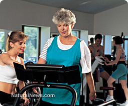 """Want to save your brain from #dementia ? """"Hit the treadmill and pump some weights"""" 