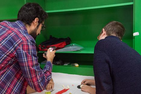 Les possibilitats d'aprenentatge dels mòbils comencen a aparcar les prohibicions als instituts | Educació i TICs | Scoop.it