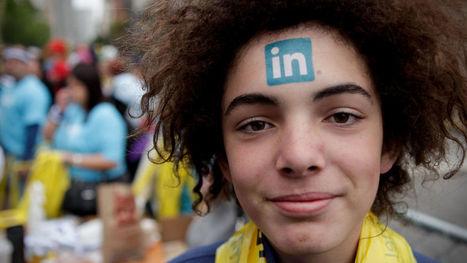 Peligro en Linkedin: así son los farsantes que te ofrecen trabajo para robar tus datos. Noticias de Tecnología   I didn't know it was impossible.. and I did it :-) - No sabia que era imposible.. y lo hice :-)   Scoop.it