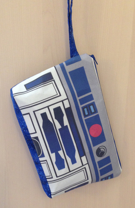 R2D2 - Wristlet Clutch | GeekGasm | Scoop.it