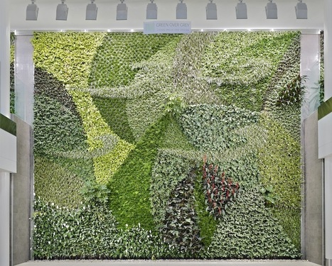 Green Walls: Vertical Gardens Flip Parks On Their Sides | Wellington Aquaponics | Scoop.it
