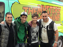 Louis Tomlinson and Zayn Malik show off One Direction's Scooby Doo tour van - PICS | camille redouble | Scoop.it