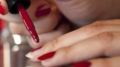 Sous le vernis à ongles, les  toxiques ! (vidéo) | Toxique, soyons vigilant ! | Scoop.it