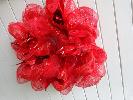 Red Christmas Wedding Wreath Front Door Wreath Metallic and Mesh | Candy Buffet Weddings, Events, Food Station Buffets and Tea Parties | Scoop.it
