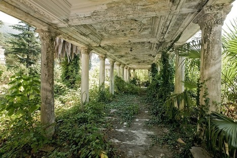 31 Haunting Images of Abandoned Places That Will Give You ... | Bibliophilie et amour des livres | Scoop.it