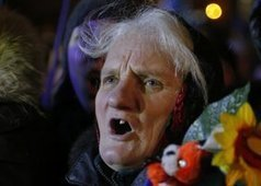 Bonfires, borscht, humor in Kiev protest camp - U-T San Diego | Activism, Protest, Citizen Movements, Social Justice | Scoop.it