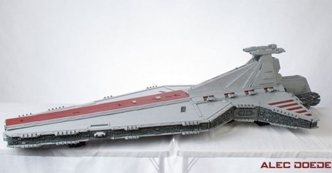 Massive LEGO Star Destroyer took six months, 15,000 pieces to complete | Comic Book Trends | Scoop.it