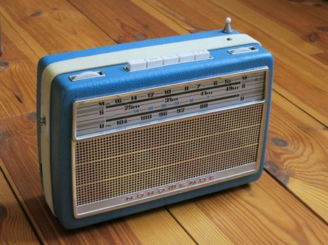 Vintage Internet Connected Radio | Arduino, Netduino, Rasperry Pi! | Scoop.it