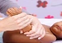 Massage pour bébé : les gestes à connaitre | Parent Autrement à Tahiti | Scoop.it
