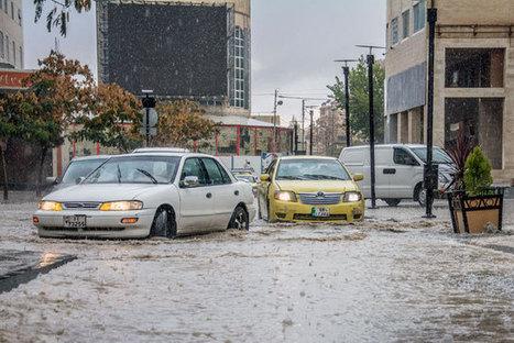 Three die as flash floods sweep central, northern regions | Political Communication Water in Jordan | Scoop.it